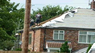 hse-prosecute-risky-roofer-snapped-by-public
