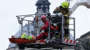 injured-workman-rescued-from-the-roof-of-national-museum-